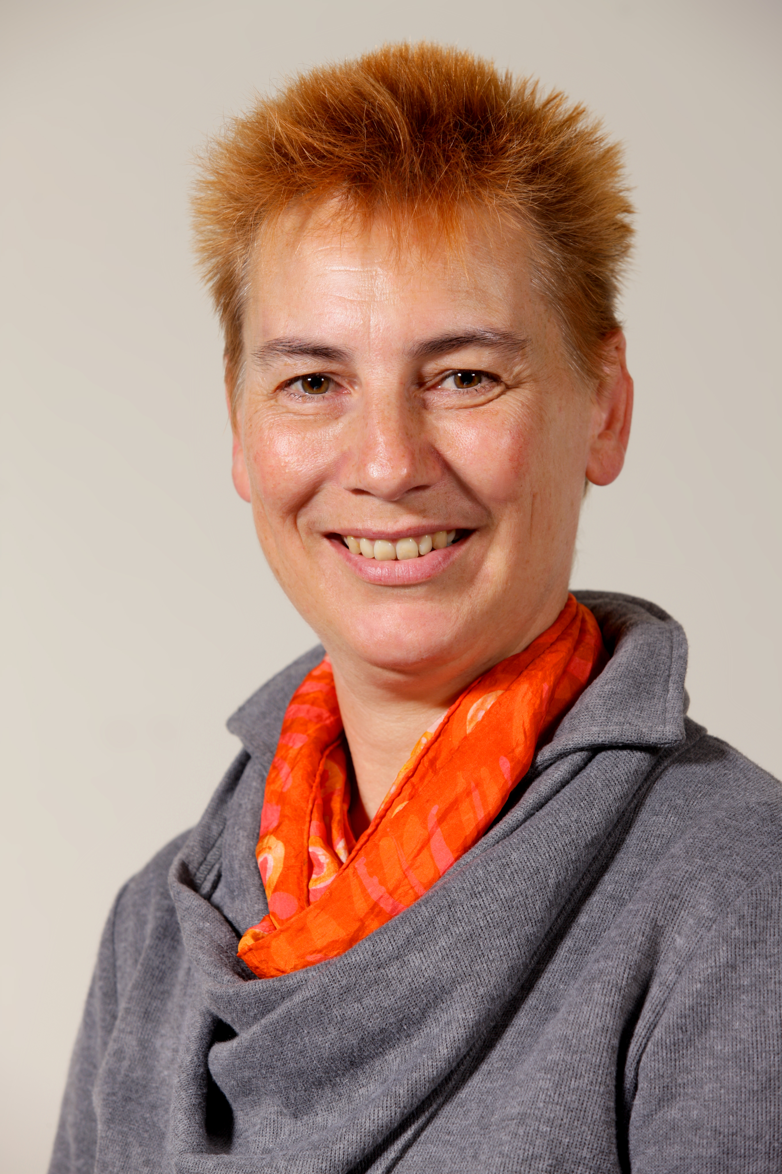 Dr Frances Poliniak
